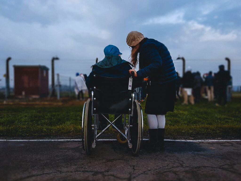 Vikar handicaphjælper